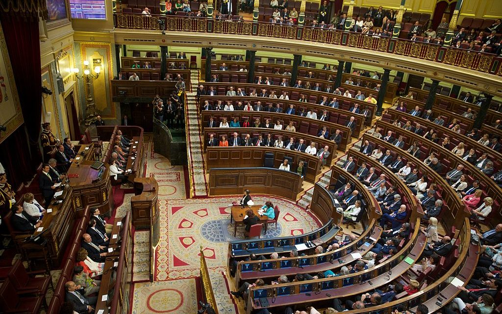 Spanish political parties move to curb unpaid overtime