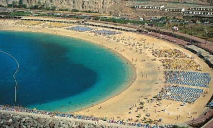 Suspected drowning at Amadores beach after woman pulled from the water