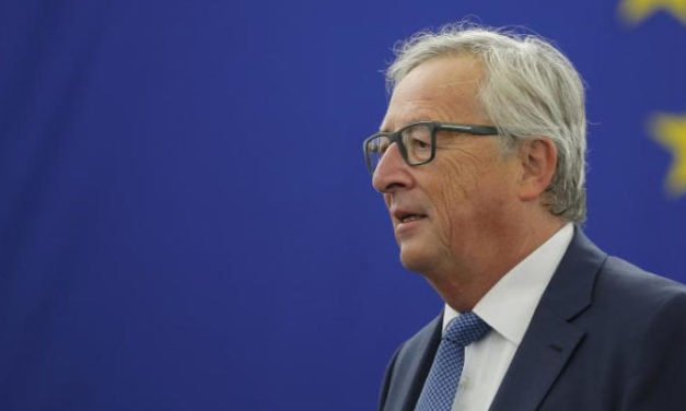 EC president Juncker cancels visit to the Canary Islands to try to close UKs Brexit negotiations